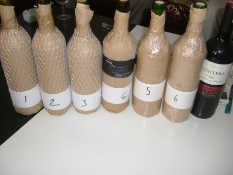 Kör tadım! Kendi gözümüzü kapatmaktansa şişeleri paketledik :)