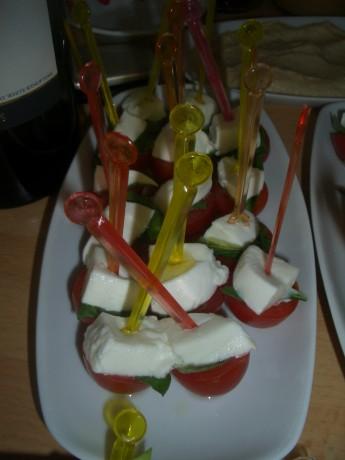 Mozerella, kiraz domates ve fesleğen... Yum yum yum