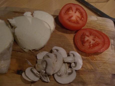 Kargı tulumu, domates ve mantar...